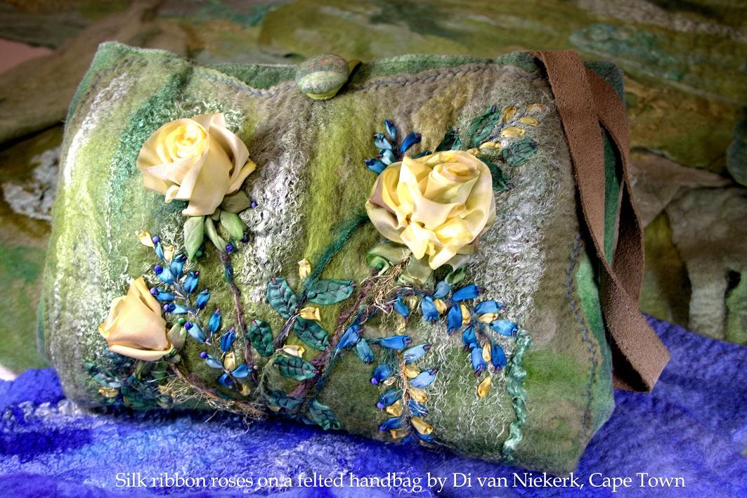Выставки по вышивке Киев, Ди ван Никерк вышивка лентой мастер-класс, розы из ленты, женская сумочка вышитая лентами, шелковая лента для изготовления цветов, вышивки лентами розы, выставки вышивки Киев, Украина