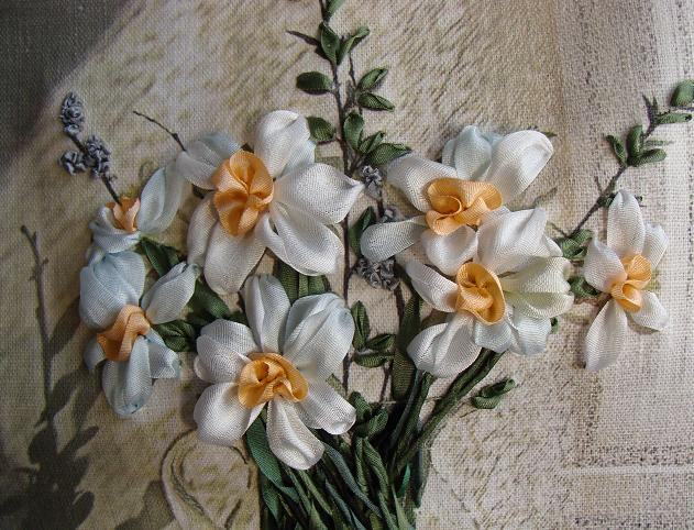 daffodils, ribbon embroidery, designs, printed pannels, ribbon embroidery kits, designed by Tatiana Popova, art of embroidery, crafts, hand-made presents, natural silk ribbon