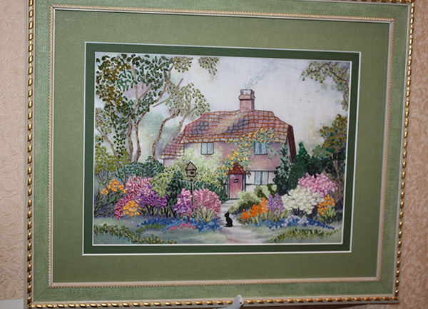 ribbon embroidery, embroidered designs, landscapes in silk ribbon embroidery, beginner projects