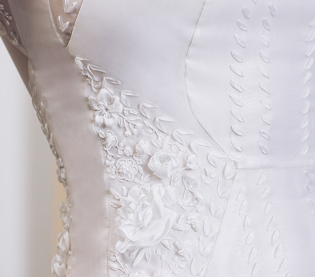ribbon embroidery custom-made, bespoke silk ribbon embroidery, ribbon embroidery for wedding, embroidered wedding dresses