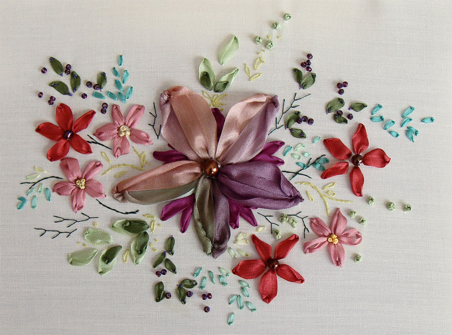free ribbon embroidery patterns to download, ribbonwork samples, beginners, guide, photo