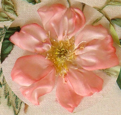 ribbon embroidery flowers, roses in silk ribbon, ribbonwork, ribbon stitching for beginners