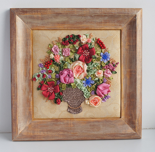 ribbon embroidery flowers, flower designs, roses in silk ribbon, International embroidery contest
