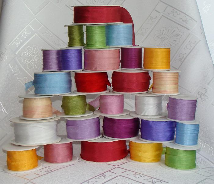 вышивка лентой, вышивка шелковыми лентами, вишивка стрічками, купить шелковые ленты для вышивки, натуральные шелковые ленты